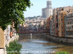 An airport Girona minibus can take you to the centre of Girona